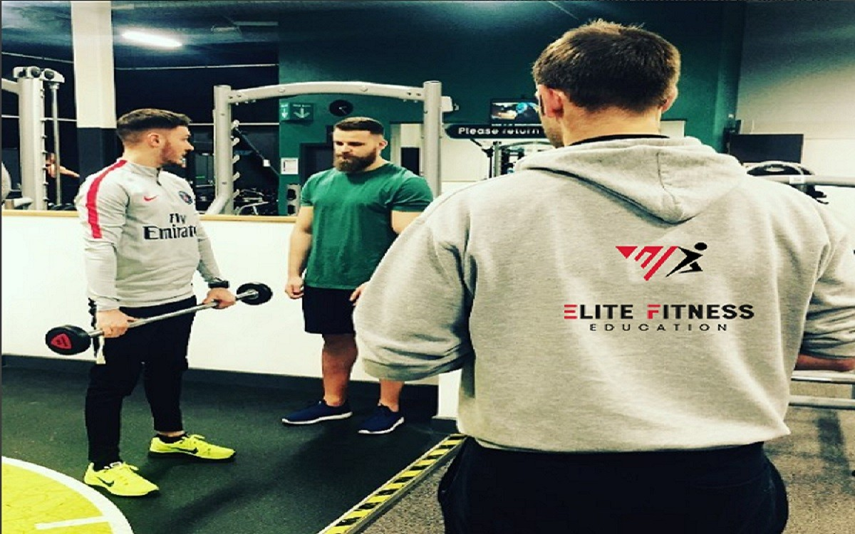 elite fitness instructors working with personal trainers